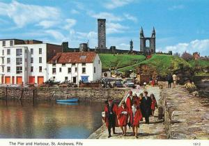 St Andrews, The Pier and Harbour - Delcampe